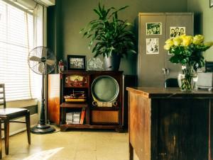 Salon avec radio années 40